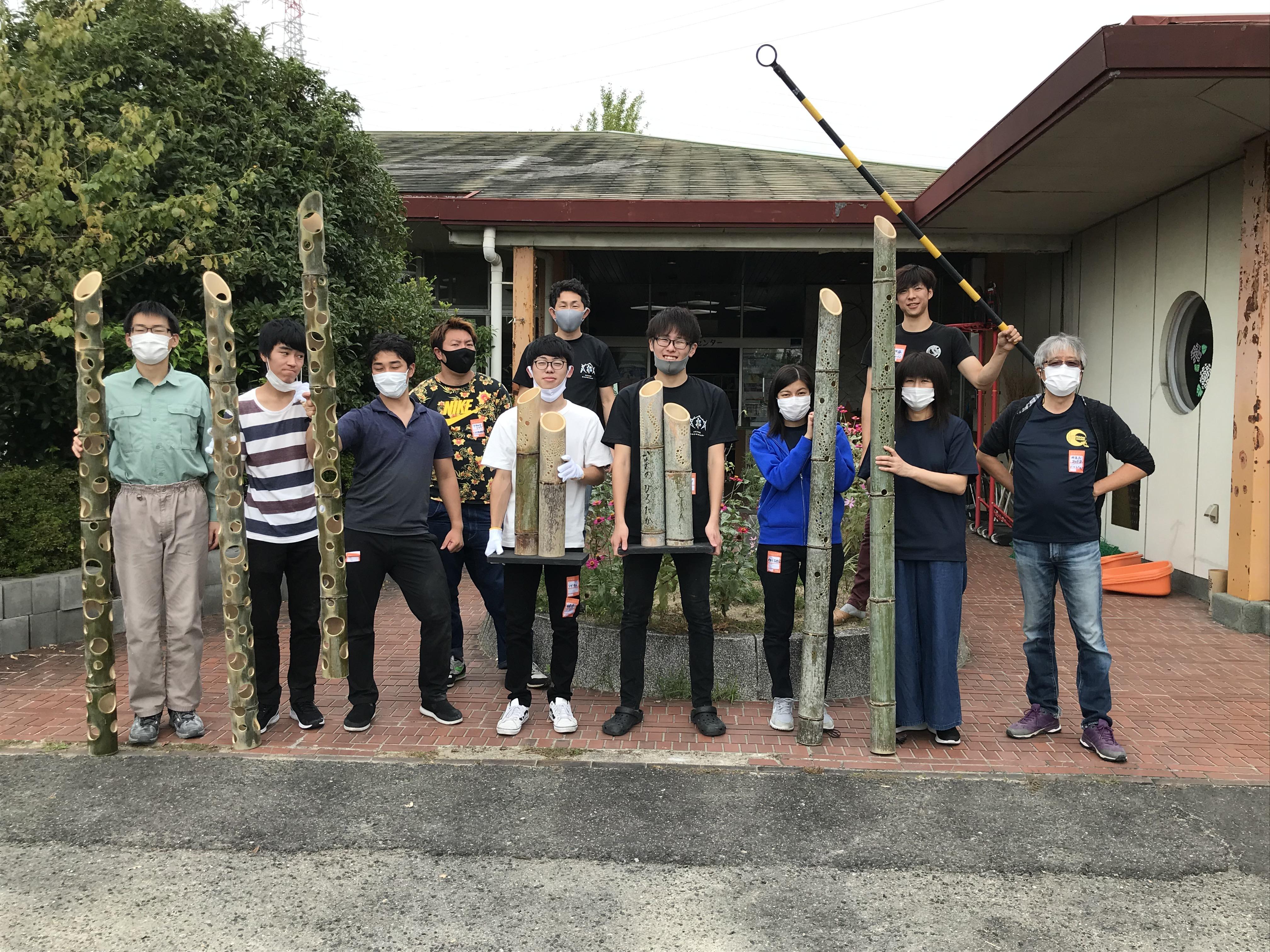 竹オブジェ制作進行中